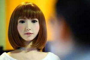 Robot giống người, vừa quyến rũ vừa đáng sợ