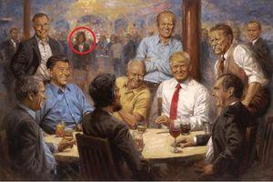 Người phụ nữ bí ẩn xuất hiện trong bức tranh vẽ Tổng thống Trump ở Nhà Trắng
