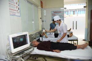 Lạm dụng truyền dịch trong điều trị bệnh: Nhiều nguy cơ đi kèm