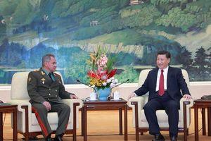 Chủ tịch Trung Quốc Tập Cận Bình gặp Bộ trưởng Quốc phòng Nga