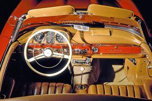 Nội thất xe hơi thay đổi như thế nào trong gần 100 năm qua