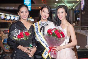 Hoa hậu Tiểu Vy ra sân bay tiễn Thùy Tiên đi thi Miss International