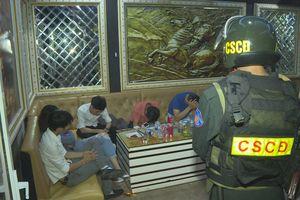 Hàng chục thanh niên mở 'tiệc' ma túy trong quán karaoke