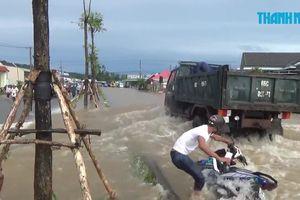 Dân Phú Quốc khốn khổ trong trận ngập kinh hoàng