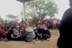Hà Tĩnh: Gia đình 4 người chết trong tư thế treo cổ