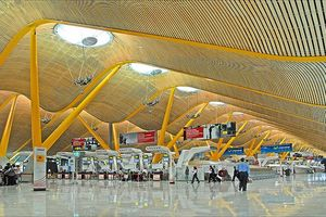 Bị delay hàng tiếng đồng hồ vẫn vui vì có thêm thời gian khám phá những sân bay tuyệt vời nhất thế giới