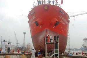 Hạ thủy tàu chở dầu, hóa chất trọng tải 6.500 tấn xuất khẩu Hàn Quốc