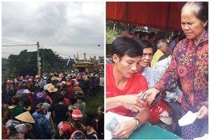 Hàng trăm người dân đội mưa tiễn đưa gia đình 4 người chết trong tư thế treo cổ