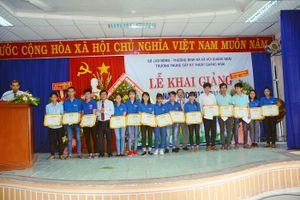 Quảng Ngãi: Cấp bằng và chứng chỉ tốt nghiệp nghề cho 611 học viên