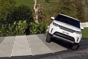 Land Rover tổ chức lái thử xe với giải thưởng lớn tại Triển lãm ô tô Việt Nam 2018
