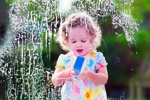 Cảnh báo: trẻ béo phì có thể do chất sát khuẩn của sản phẩm tẩy rửa trong nhà