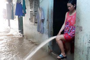 Nước ngập suốt hai ngày ở huyện đảo Phú Quốc vì mưa lớn