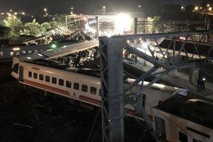 Vụ lật tàu ở Đài Loan: Một số nạn nhân bị toa tàu nghiền nát