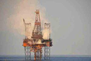 Giá dầu giảm hơn 3% trong tuần do chứng khoán toàn cầu suy yếu
