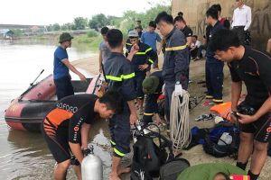Thanh Hóa: Nam thanh niên bỏ lại xe đạp trên cầu rồi nhảy xuống sông tự tử