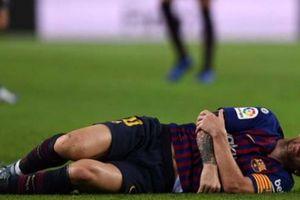 Barca trả giá đắt sau chiến thắng: Messi gãy cánh tay, lỡ đại chiến El Clasico