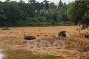 Để khai thác cát trái phép, chủ tịch và phó chủ tịch UBND xã bị kiểm điểm