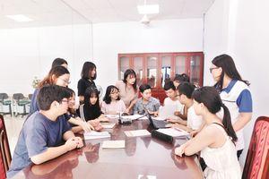 Một ngày với các lưu học sinh Ngoại ngữ Hà Nội