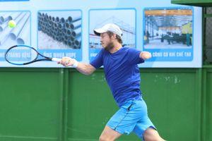 Tay vợt đặc biệt ở giải quần vợt Vietnam F4 Futures