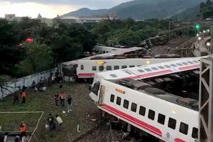 Xe lửa trật đường ray ở Đài Loan, ít nhất 17 người thiệt mạng