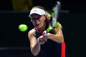 ĐKVĐ Caroline Wozniacki thất bại trong trận ra quân WTA Finals 2018