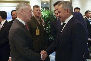Lần đầu đối mặt, Bộ trưởng Quốc phòng Mỹ và Nga đã nói với nhau những gì?