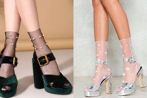 Là cô nàng sành điệu tại sao bạn không thử đi tất với giày cao gót cực chất như này