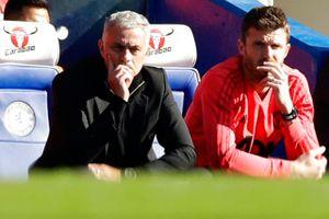 HLV Mourinho nói gì sau khi đánh rơi chiến thắng trước Chelsea?
