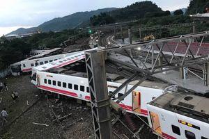 Tàu cao tốc Đài Loan trật đường ray, hàng trăm người thương vong