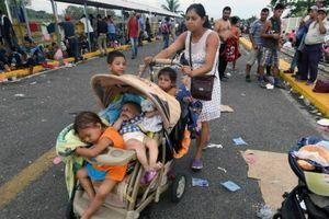 Mexico mở cửa biên giới cho đoàn người di cư Honduras