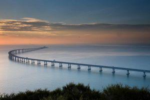 Cận cảnh cầu vượt biển dài nhất thế giới sắp thông xe sau 1 thập niên