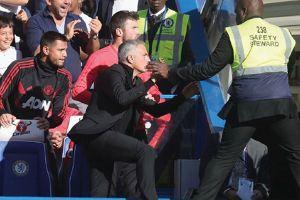 M.U bắt đầu lột xác: 'Người hạnh phúc' Mourinho vẫn đặc biệt