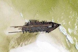 Siêu bão làm phát lộ xác tàu cổ 120 năm tuổi ở Mỹ