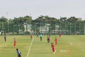 Thủ môn Incheon bị thẻ đỏ, HLV Park Hang-seo 'bắt' vào đá tiếp