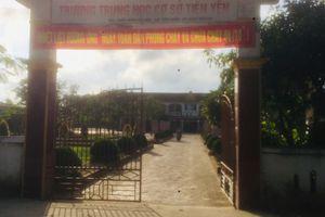Xôn xao việc mẹ 'bắt cóc' con gái học lớp 6 trước cổng trường