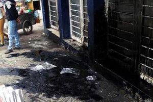 Em trai trốn nợ, chủ tiệm cầm đồ liên tục 'khủng bố' nhà anh trai bằng chất bẩn