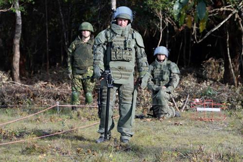 Công binh Nga mang kinh nghiệm chiến trường Syria đến Lào gỡ bom Mỹ?