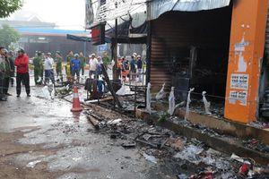 Sau tiếng nổ lớn, cửa hàng hoa bốc cháy, hai cô gái trẻ tử vong