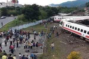 Tai nạn đường sắt kinh hoàng ở Đài Loan, gần 200 người thương vong