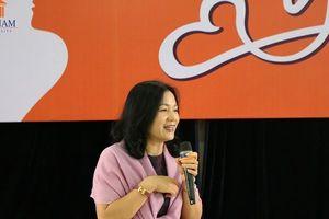 Talkshow 'Phụ nữ là để yêu' chào mừng ngày Phụ nữ Việt Nam