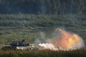Xe tăng T-90 xuất khẩu sang Việt Nam được kiểm tra độ kín thân xe thế nào?