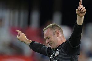 Lập cú đúp, Rooney làm nên điều kỳ diệu trên đất Mỹ