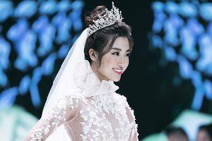 Hoa hậu Đỗ Mỹ Linh thu hút mọi ánh nhìn khi đảm nhiệm vedette tại CALLA SHOW 2018 - show diễn váy cưới lớn nhất Việt Nam