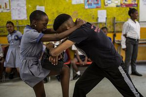 Lo ngại bị tấn công tình dục, nữ sinh 'đổ xô' đi học võ để tự bảo vệ bản thân