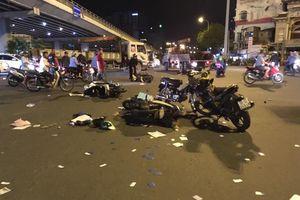 Cảnh tượng kinh hoàng BMW tông hàng loạt xe máy, 7 người thương vong