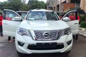'Quyết đấu' Toyota Fortuner, SUV Nissan Terra giá thấp nhất 986 triệu đồng