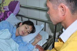 Thiếu hơn 100 triệu đồng mổ tim, nữ sinh trường Y nguy kịch tính mạng