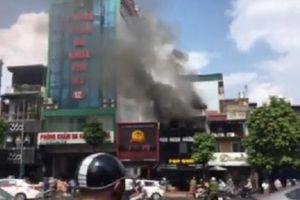 Cháy lớn tại một nhà hàng trên phố Hàng Mã