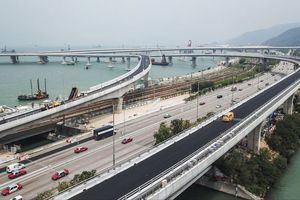 Sắp thông xe cầu vượt biển dài nhất thế giới của Trung Quốc