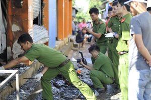 Cháy tiệm hoa khiến 2 người tử vong